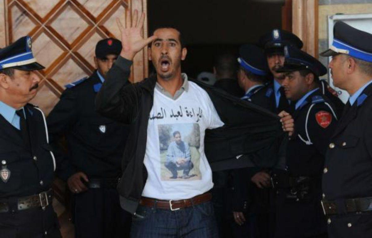 Le procès des auteurs présumés de l'attentat à la bombe de Marrakech en avril, qui a fait 17 morts dont onze étrangers, a connu son épilogue vendredi avec la condamnation à la peine capitale du principal accusé et à la perpétuité pour son complice. – Abdelhak Senna afp.com