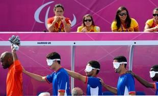 Au cécifoot, le gardien de l'équipe paralympique n'est pas aveugle.