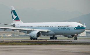 Un avion Cathay Pacific sur le tarmac de l'aéroport international de Hong Kong, le 14 décembre 2012