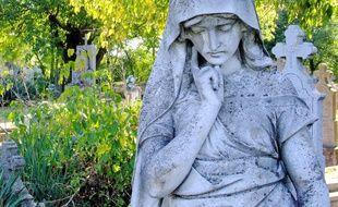 La visite au cimetière, une tradition qui se perd.