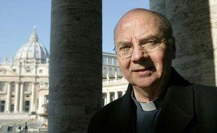 Jacques Gaillot, l'ancien évêque d'Evreux, le 10 février 2005 au Vatican.