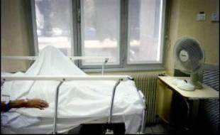 """La canicule qui a frappé une grande partie des régions françaises en juillet a causé """"problablement"""" la mort de 112 personnes, selon un bilan publié jeudi par l'Institut national de veille sanitaire (InVS)."""