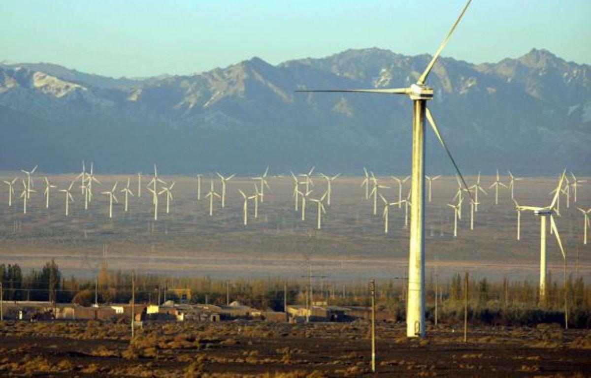 Des éoliennes à Dabancheng, en Chine. – ZHANG YANHUI/SIPA