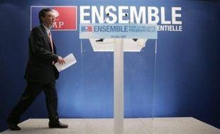 """L'UMP a estimé vendredi qu'""""efficacité et justice sous-tendent les réformes"""" annoncées par Nicolas Sarkozy dans le cadre de la Révision générale des politiques publiques (RGPP)."""