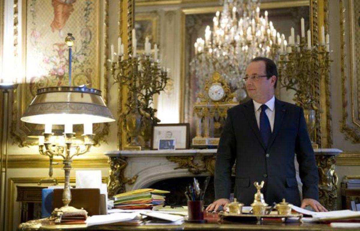 François Hollande, dans son bureau de l'Elysée, le 17 décembre 2012. – LANGLOIS-POOL/SIPA