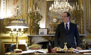 François Hollande, dans son bureau de l'Elysée, le 17 décembre 2012.