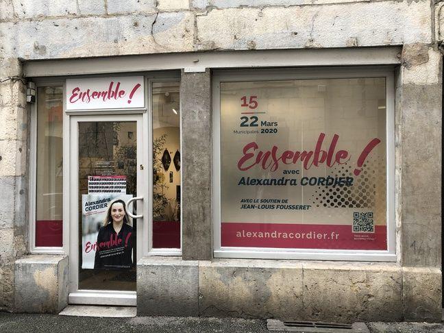 La permanence d'Alexandra Cordier, candidate à Besançon pour les municipales.