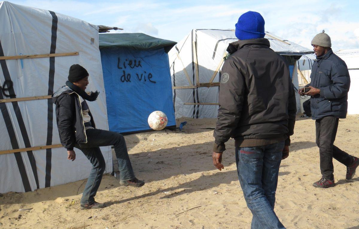 Une partie du camp de Calais où logent les Soudanais du Darfour.  – G. Durand / 20 Minutes