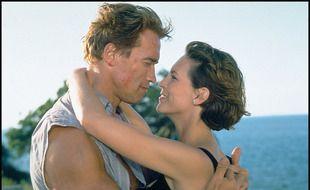 Les acteurs Arnold Schwarzenegger et Jamie Lee Curtis dans «True Lies» de James Cameron