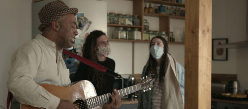 Davy Kilembe est l'un des deux chanteurs à a voir participé à la première opération Delivreznoo, à Toulouse.