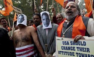 """L'Inde a promis mercredi de ramener """"à tout prix"""" sa diplomate arrêtée jeudi à New York pour une affaire de fausse déclaration d'employée de maison, le gouvernement ayant fait part de son indignation après qu'elle eut raconté les conditions de sa détention."""