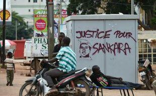 Une inscription réclamant la justice pour l'ancien président Thomas Sankara, le 20 septembre 2015 à Ouagadougou au Burkina Faso