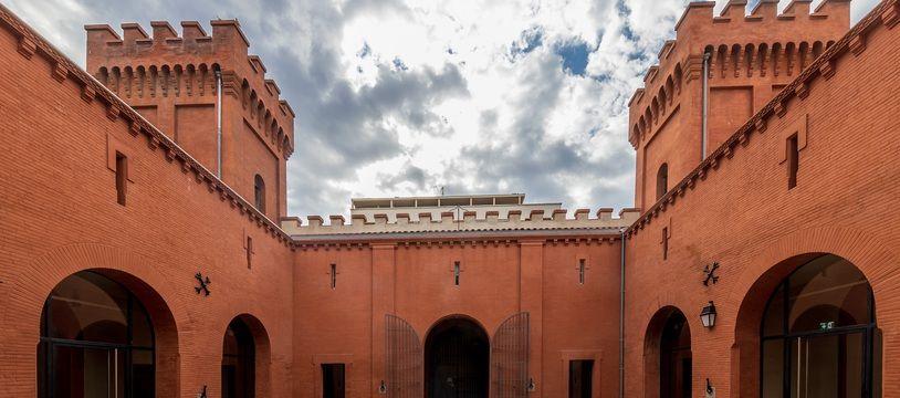 La cours d'honneur du castelet de la prison Saint-Michel, à Toulouse.