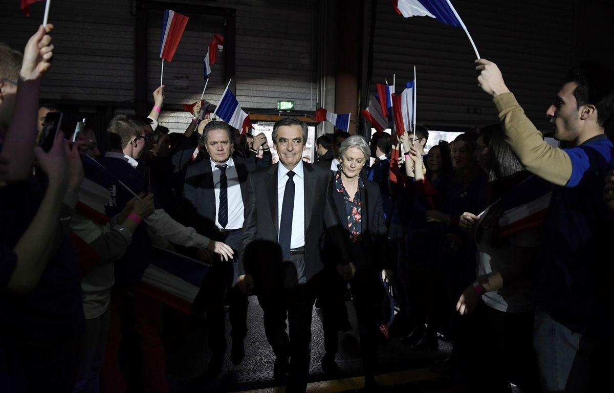 François Fillon et son épouse à leur arrivée à la Villette le 29 janvier 2017 – Eric FEFERBERG / AFP