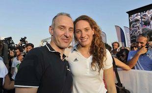 Camille Muffat avec son père en octobre 2012