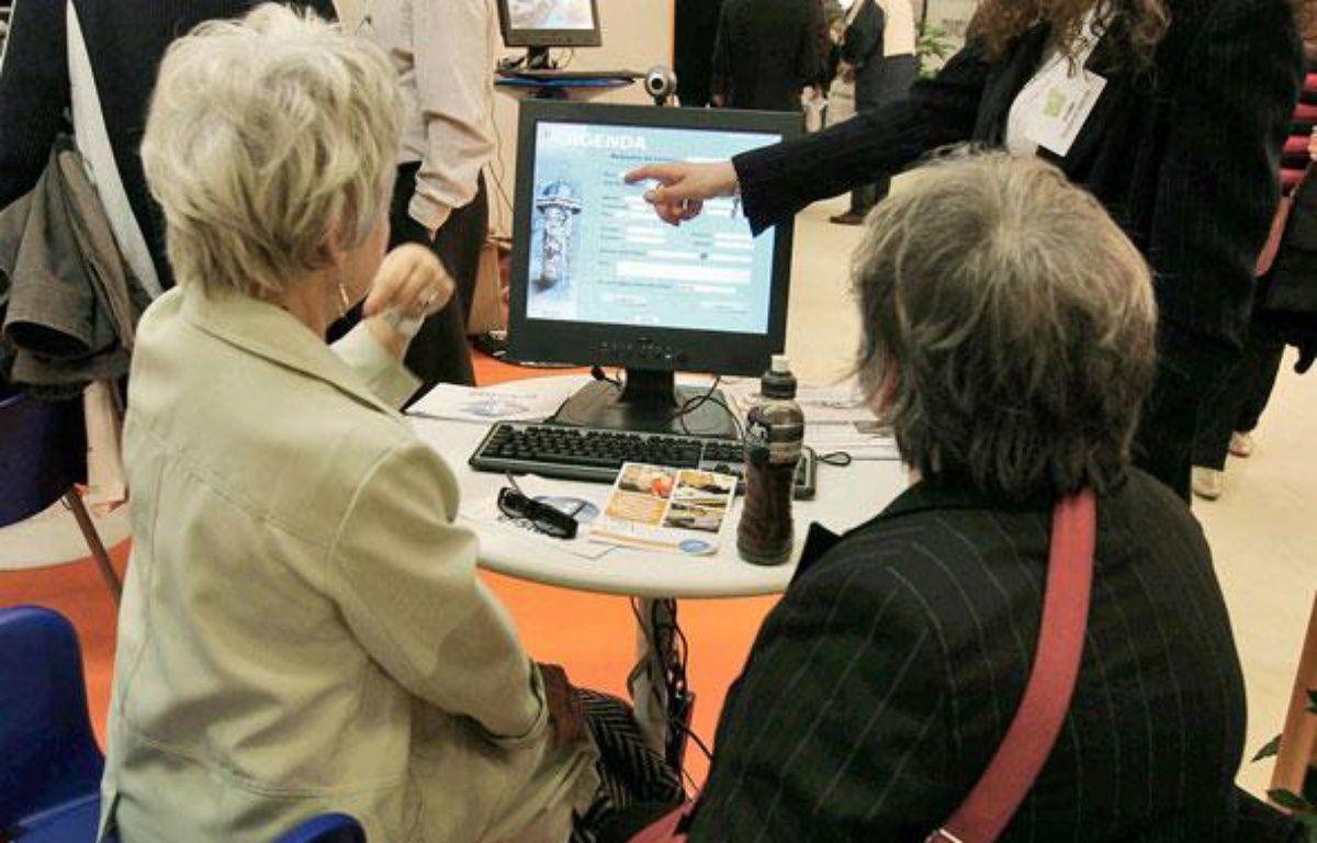 Les entreprises vont être obligées d'engager davantage de seniors. – L. SIMON / SIPA