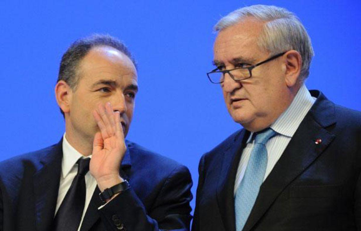 Jean-François Copé et Jean-Pierre Raffarin le 28 janvier à Paris. – WITT/SIPA