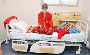 Prahlad Jani, un Indien de 82ans, affirme ne pas manger ni boire depuis 70 ans (photo prise le 26avril 2010).