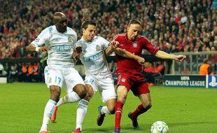 Franck Ribéry du Bayern, face à Fanni et Azpilicueta de l'OM, en 2012