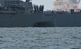 L'USS John S. Mc Cain (photo) a été heurté par un pétrolier au large de Singapour, lundi 21 août 2017.