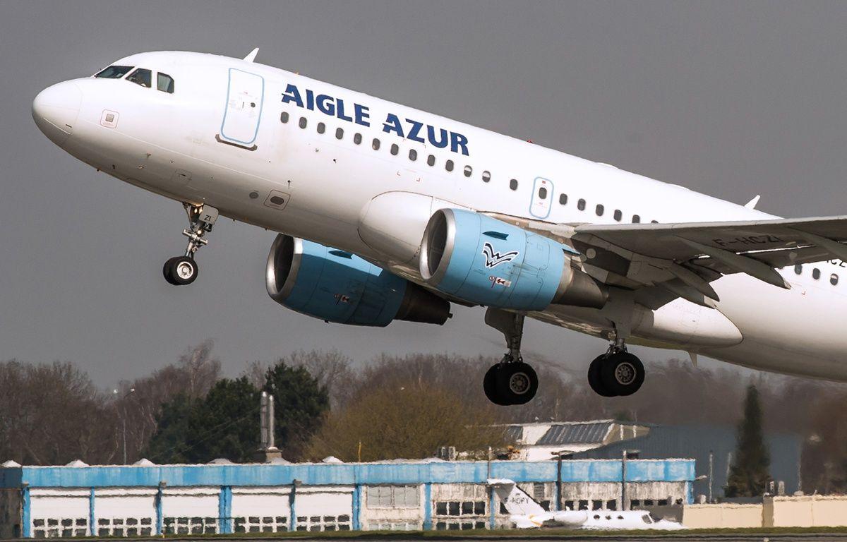 Avion aigle Azur au décollage à LilleLesquin – PHILIPPE HUGUEN / AFP