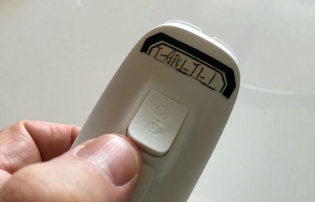 A l'arrière du joystick Maestro du PowerEgg, une touche pour la capture de photos et de vidéos.