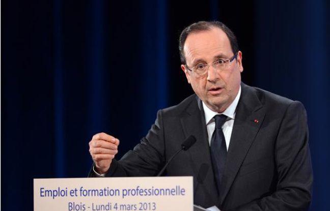 François Hollande lors de son déplacement à Blois le 4 mars 2013 sur l'emploi et la formation professionnelle.