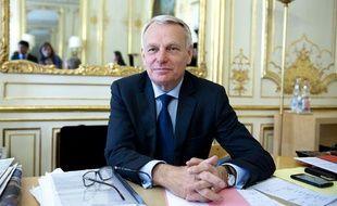 Le premier ministre Jean-Marc Ayrault dans son bureau à Matignon, le 17 ami 2012.