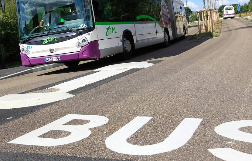 Nantes : Un blessé grave dans un accident entre trois bus