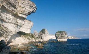 Les falaises de Bonifacio, en Corse.