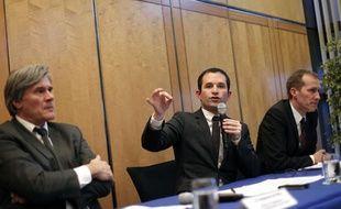 Benoît Hamon entouré de Stéphane LeFoll et Guillaume Garot à Bercy le 11 février 2013.