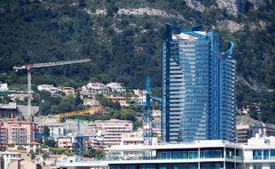 La tour Odéon, la plus haute de Monaco, vue depuis la principauté