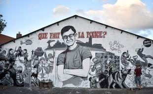 Sur le quai Wilson, à Nantes, une fresque rend hommage à Steve et dénonce la charge policière.