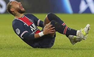 Neymar lors de sa blessure face à Lyon