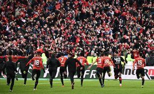 Les joueurs rennais vont fêter le titre avec leurs supporters au Stade de France, le 28 avril 2019.
