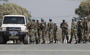 Des Casques bleus au siège des Nations Unies près du point de passage entre Israêl et la Syrie, le 30 août 2014
