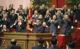 Kim Jong-un à la fin de son discours de clôture du congrès du Parti des travailleurs, à Pyongyang le 12 janvier 2021.