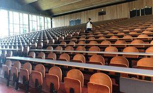L'amphi E de la faculté de droit de Nantes et ses 776 sièges.