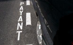Le stationnement payant en surface sera privatisé en 2018 à Paris