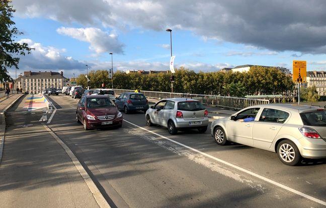 Circulation sur le pont Anne-de-Bretagne à Nantes.
