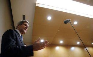 """Le secrétaire d'Etat américain John Kerry a de nouveau exhorté samedi les autorités nigérianes pour que l'armée ne commette pas d'""""atrocités"""" contre des civils au cours de son opération contre les insurgés islamistes de Boko Haram, et a dénoncé la répression au Soudan."""