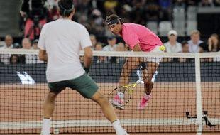 Rafael Nadal et Roger Federer lors d'une exhibition en Afrique du Sud, le 7 février 2020.
