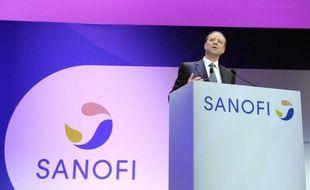 Le groupe pharmaceutique Sanofi a annoncé lundi l'abandon du programme de recherche expérimentale sur la molécule iniparib (cancer), entraînant une dépréciation d'actifs qui va affecter le résultat net consolidé du premier semestre d'environ 219 millions d'euros.