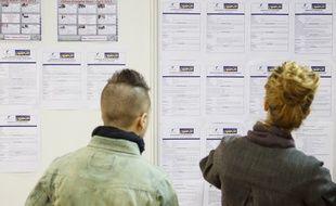 Chennevieres sur Marne le 26 mars 2013. 3eme edition du bus 308 pour l'emploi.