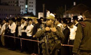 Un soldat israélien à Jérusalem, après qu'un homme a été abattu le 21 octobre 2015.