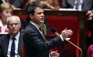 Les ministères de l'Intérieur et de la Justice ont annoncé jeudi le lancement de quarante-neuf nouvelles zones de sécurité prioritaires portant à soixante-quatre le nombre de ZSP en France, des zones particulièrement touchées par la délinquance.