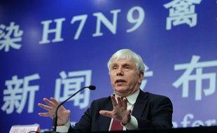 Il n'existe aucun signe d'une transmission d'homme à homme de la souche H7N9 de la grippe aviaire en Chine, a assuré lundi à Pékin l'OMS, même si deux fils d'un habitant de Shanghai décédé du virus ont également présenté de graves symptômes d'affection respiratoire.