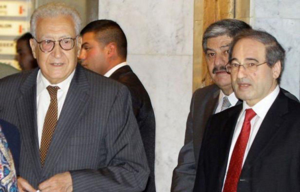 """Le nouvel émissaire international Lakhdar Brahimi a entamé jeudi sa première visite en Syrie, en soulignant que la crise dans le pays s'""""aggravait"""", après 18 mois d'un conflit dévastateur. – Louai Beshara afp.com"""