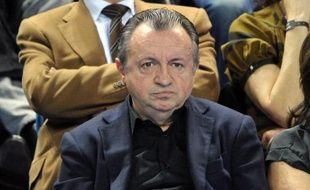 """La présidence du Sénat a indiqué mercredi que le Bureau de la chambre haute avait levé, pour la deuxième fois, l'immunité parlementaire du sénateur PS Jean-Noël Guérini, que la justice souhaite placer en garde à vue pour l'interroger sur un dossier """"à caractère mafieux""""."""