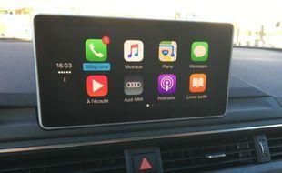 Apple Car Auto: comme un petit air bien connu avec des icônes simples et pratiques.